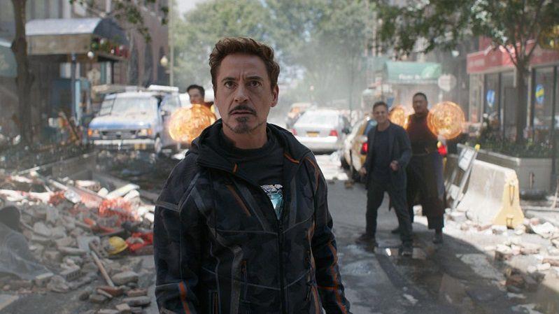 """Кадр из фильма """"Мстителеи: Война бексконечности"""""""