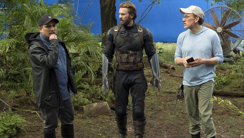 """Братья Руссо и Крис Эванс на съемках фильма """"Мстители: Война бесконечности"""""""